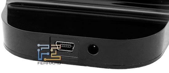 Отдельный БП для Hitachi LifeStudio Plus в комплекте не идет, хотя на подставке есть соответствующий разъем – можно купить БП отдельно