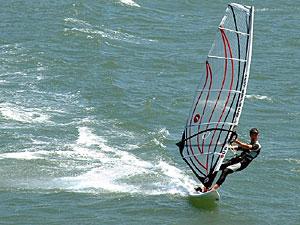 300x225-windsurfer3