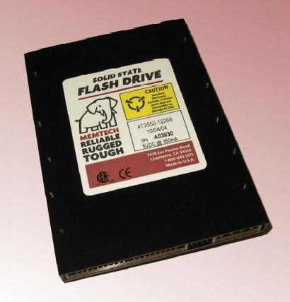 Один из первых доступных SSD с интерфейсом IDE – сначала всё для военных